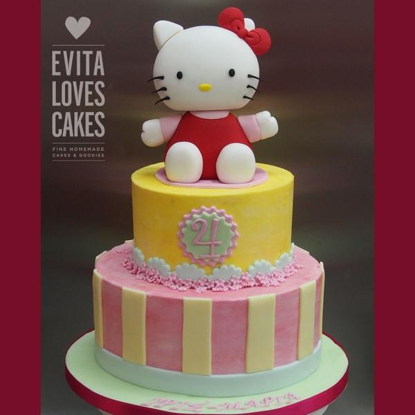 Hello-Kittie_Birthday_Cake_EvitaLovesCakes