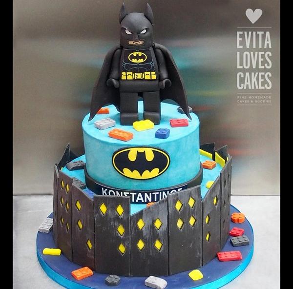 batman_Birthday_Cake_EvitaLovesCakes