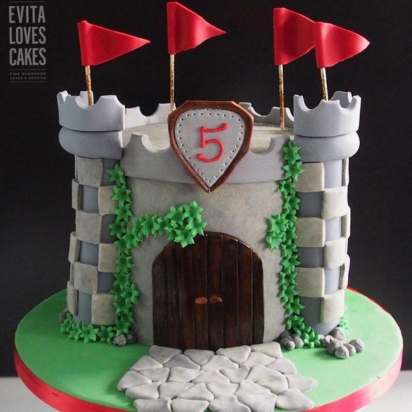 Kastro_Birthday_Cake_EvitaLovesCakes