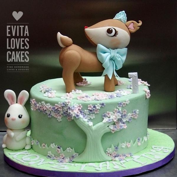 Little_Deer_Birthday_Cake_EvitaLovesCakes