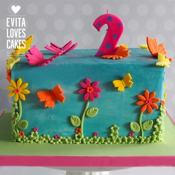 Louloudia-petaloudes_Birthday_Cake_EvitaLovesCakes