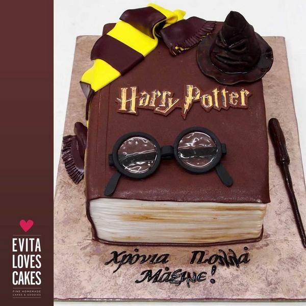 Harry_Potter_Birthday_Cake_EvitaLovesCakes