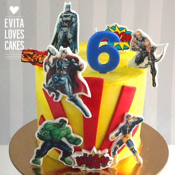 Superheroes_2d_Birthday_Cake_EvitaLovesCakes