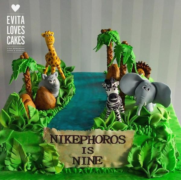 Zoo_Birthday_Cake_EvitaLovesCakes
